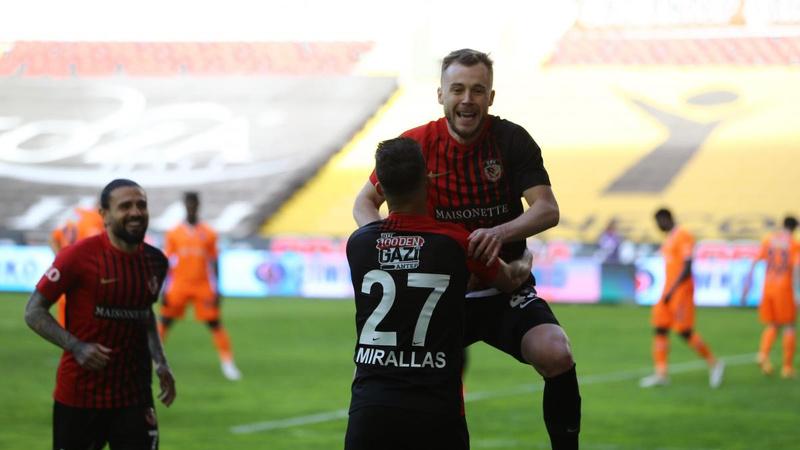Gaziantep FK, Başakşehir'i Maxim'le geçti