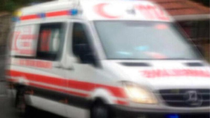 Ambulans ve otomobil çarpıştı! Can kayıpları var