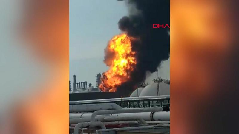 Petrol rafinerisinde korkunç patlama