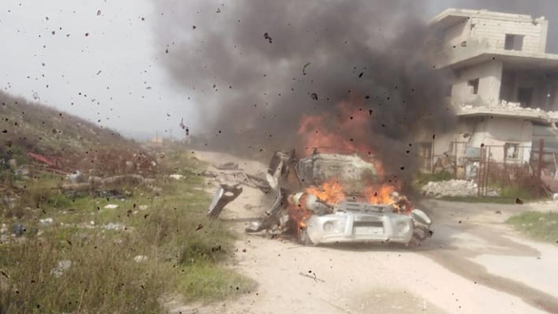Suriye'de sivil araca füzeli saldırı!
