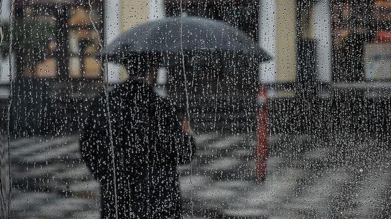 Meteoroloji'den yağış uyarısı geldi! Araçlar çamur kaplandı
