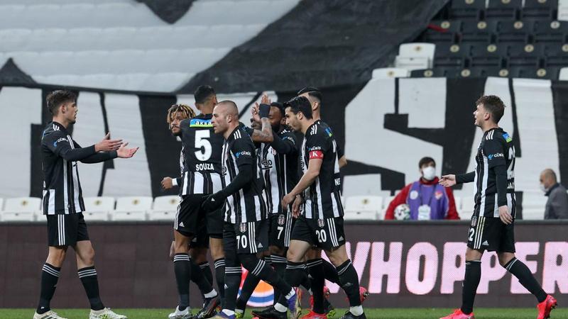 Forvetsiz Beşiktaş 3 puanı 3 golle aldı