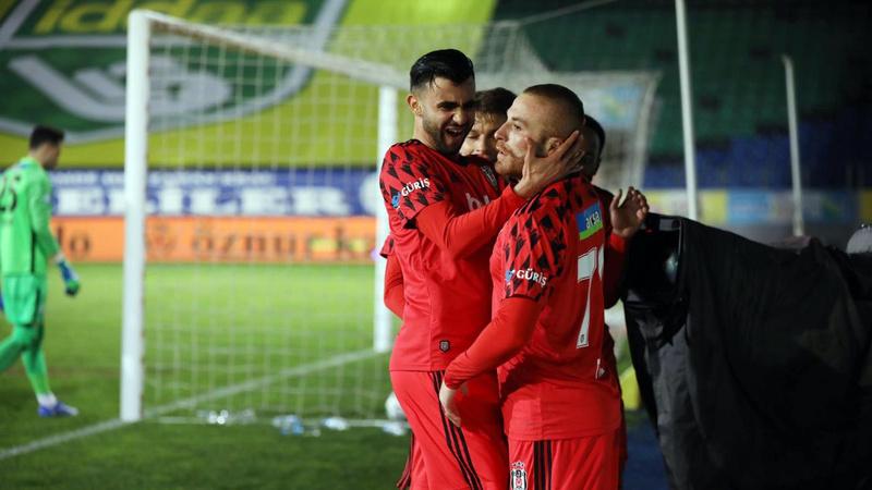 Beşiktaş, Rize'de 3 puanı 3 golle aldı