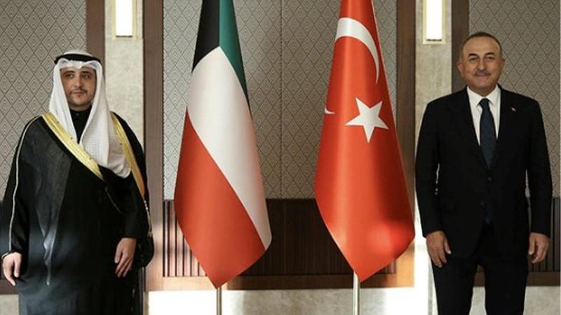 Bakan Çavuşoğlu, Kuveytli mevkidaşıyla görüştü!