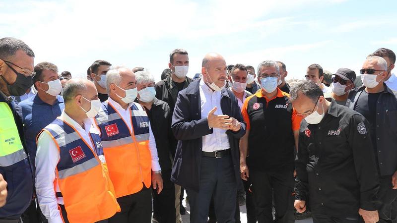 Bakan Soylu duyurdu: İdlib'de 35 bin ev nihayete erdirildi
