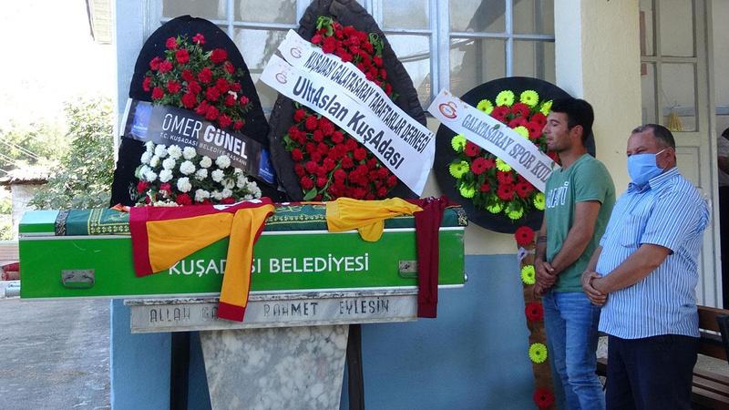 Son yolculuğuna Galatasaray formasıyla uğurlandı