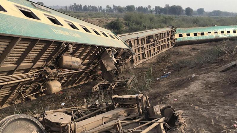 Korkunç tren kazası: Çok sayıda ölü ve yaralı var!