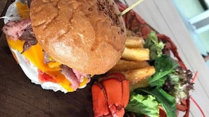 Bedava hamburger vermeyince 19 çalışanı gözaltına alındı!