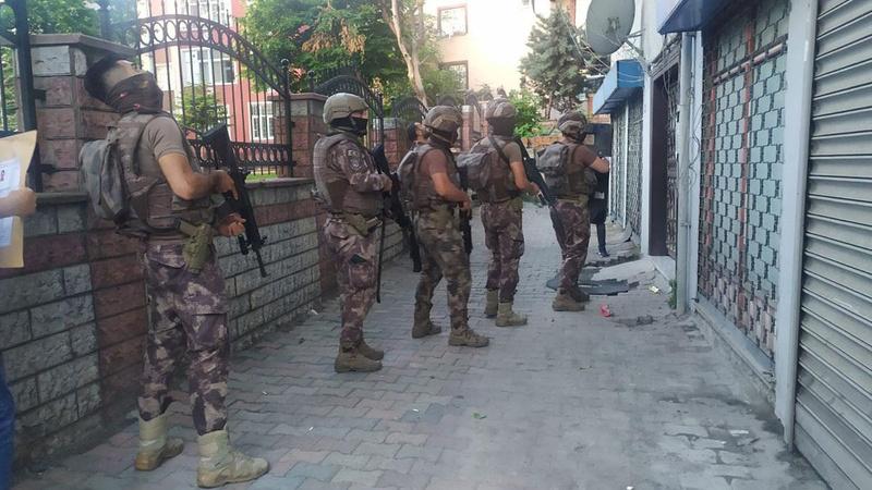 İzmir'de FETÖ operasyonu! 132 gözaltı kararı