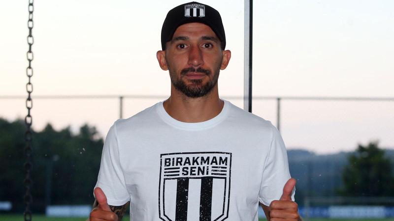 Beşiktaş, Mehmet Topal transferini açıkladı