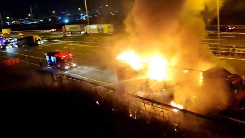 Başakşehir'de TIR alev alev yandı