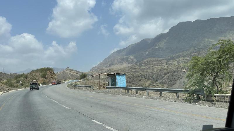 Pakistan Afganistan sınırına çektiği tel örgüyü tamamlıyor