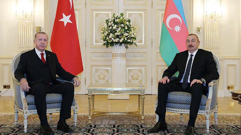 Azerbaycan Türkiye'ye 200 itfaiyeci daha gönderecek