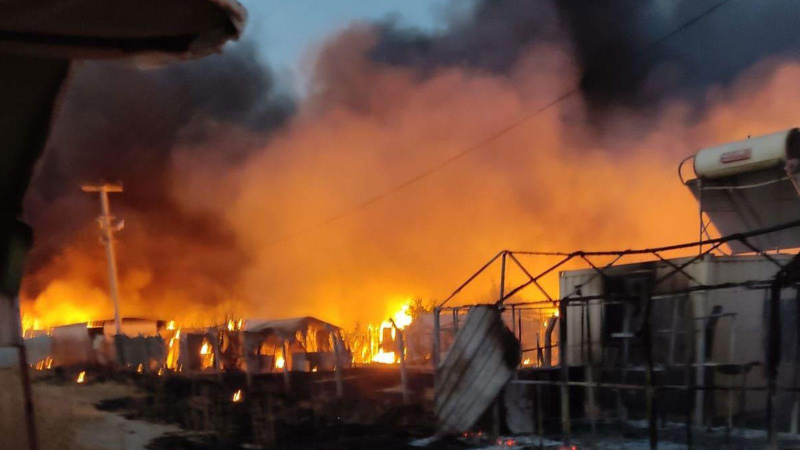 Şanlıurfa'da çadır kentte yangın! Bir mahalle yok oldu