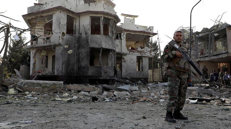 İngiliz General'den Afganistan tepkisi: Geleceğini sattılar!