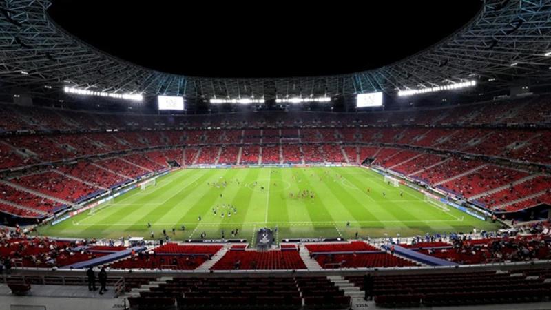 FIFA ve UEFA'dan seyircili maç kararı!