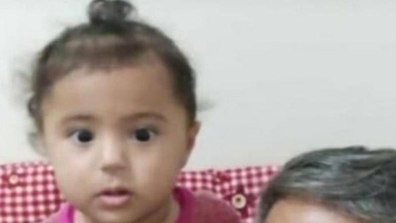 Küçük kız çocuğu uyurken başından vuruldu