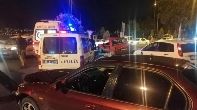 Kayseri'de zincirleme kaza: 4 yaralı