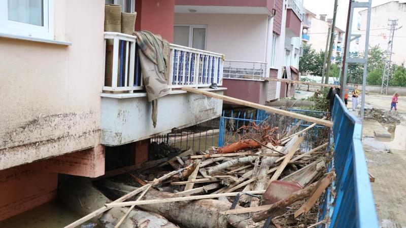 Sel felaketinde hayatını kaybedenlerin sayısı 17 oldu