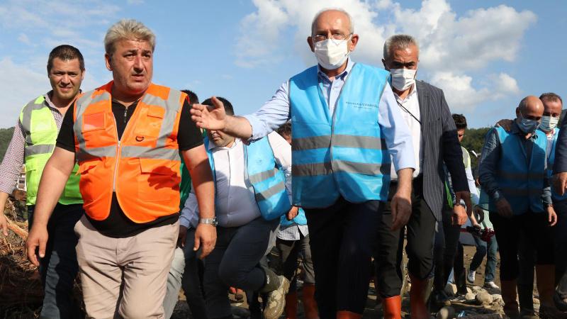CHP Lideri Kılıçdaroğlu sel bölgesi Ayancık'ta