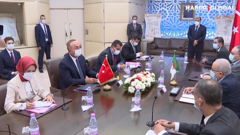 Dışişleri Bakanı Çavuşoğlu Cezayirli mevkidaşı ile görüştü
