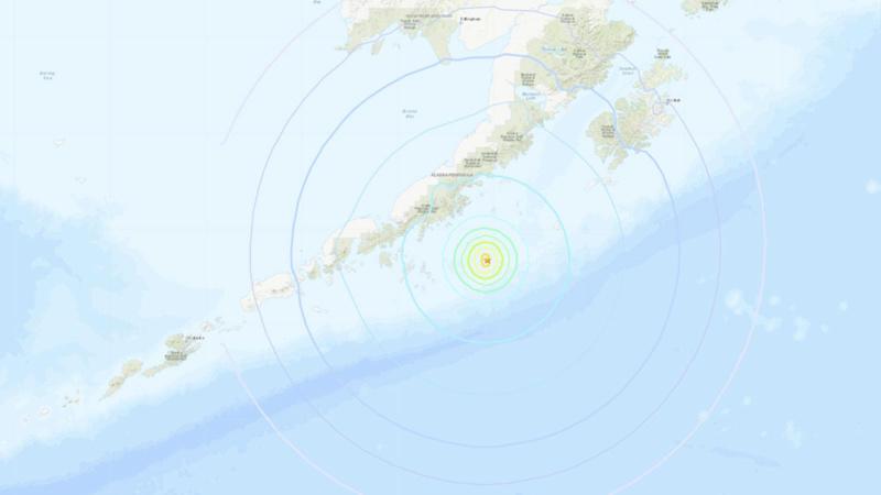 Alaska ve Haiti'de peş peşe deprem!