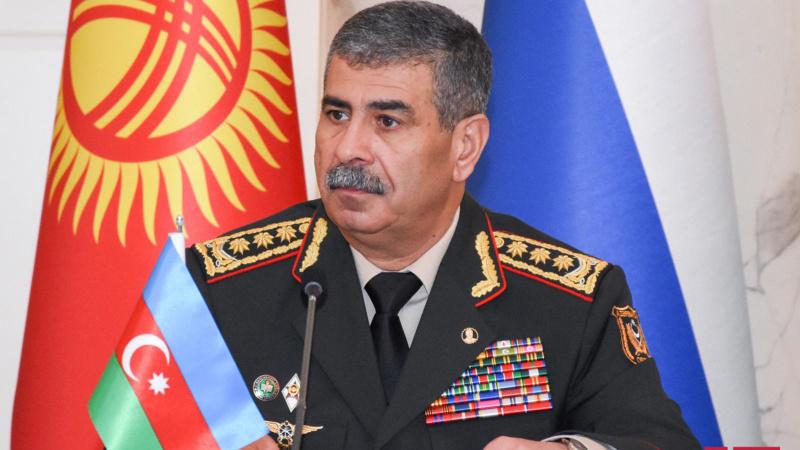 Azerbaycan Savunma Bakanı Zakir Hasanov IDEF-2021'e katılacak