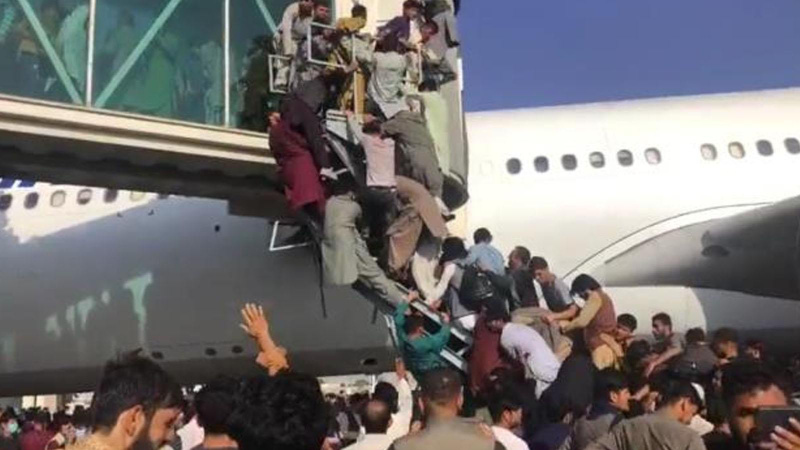 """""""Kabil Havaalanı'ndaki izdihamda 17 yaralı"""""""