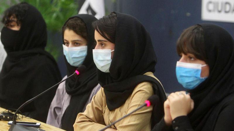 Uluslararası ödüllü 5 Afgan kadını Meksika kabul etti
