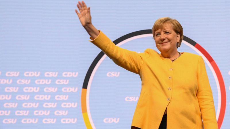 Merkel erkek liderleri solladı