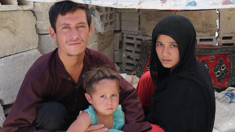 Eşi ve 3 yaşındaki çocuğuyla kaçtı: Taliban bizi öldürürdü