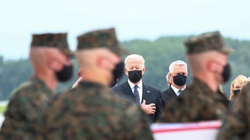Biden, askerlerin cenazelerini karşıladı!