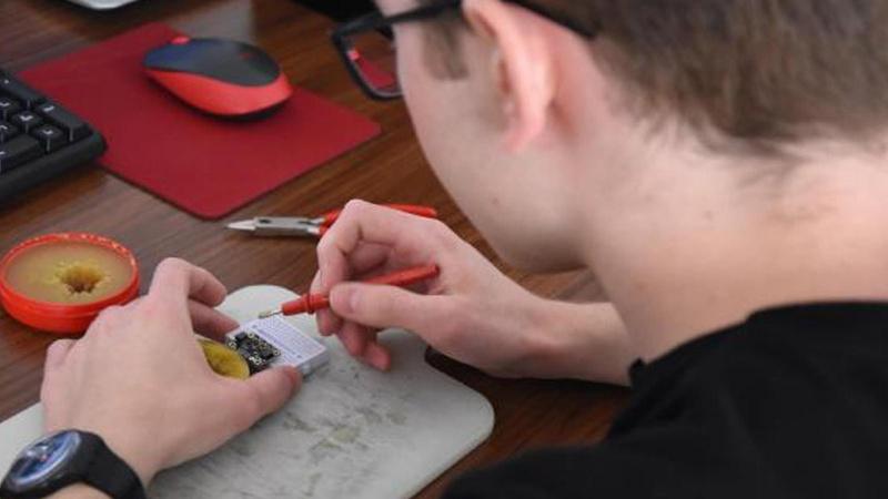 Lise öğrencisi PCR cihazı üretti, üniversite onay verdi