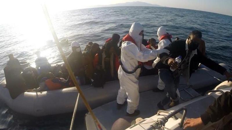 Türk kara sularına itilen 59 göçmen kurtarıldı