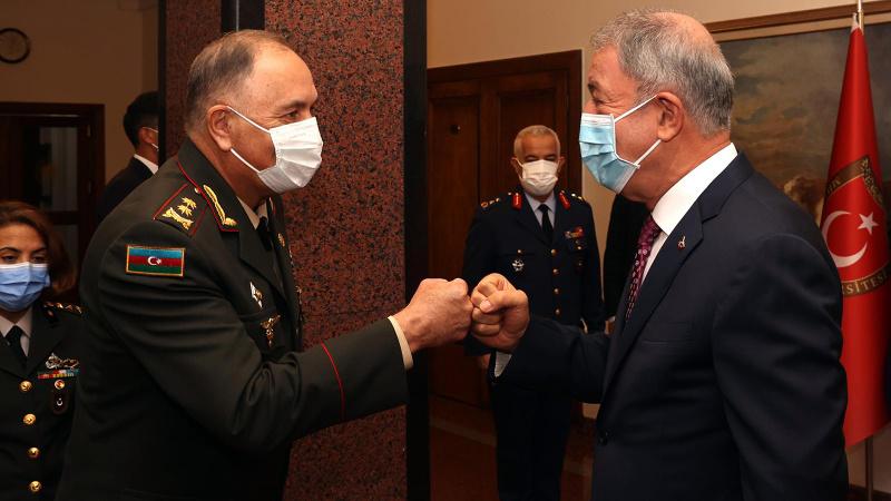 Bakan Akar, Azerbaycan Genelkurmay Başkanı'nı kabul etti