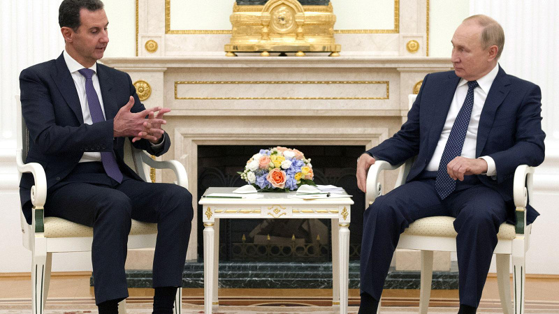 Rusya'da bir araya geldiler! Putin'den Esad'a destek
