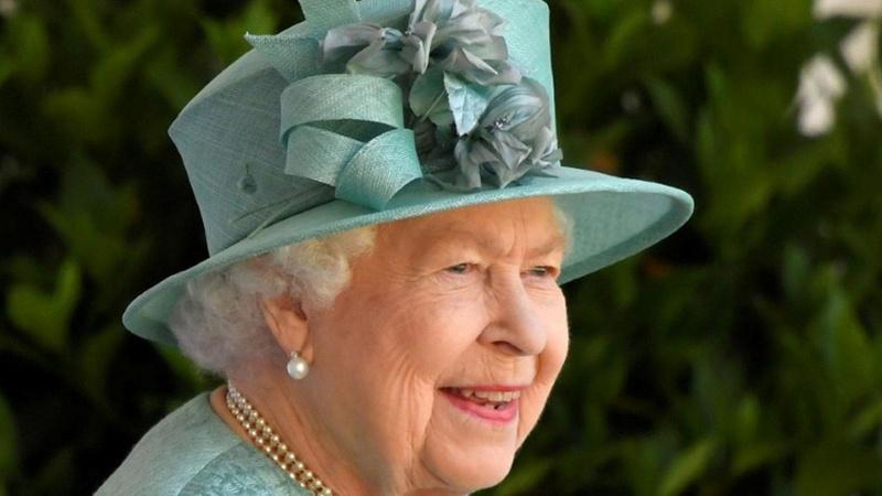 Kraliçe Elizabeth Kim Jong Un'u tebrik etti