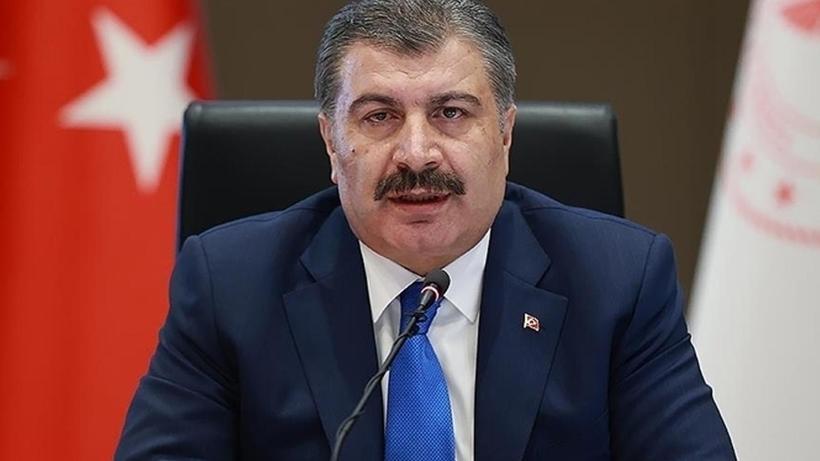 """Sağlık Bakanı Koca'dan """"Aşı yaptıranlar arasında yerimizi alalım"""" paylaşımı"""