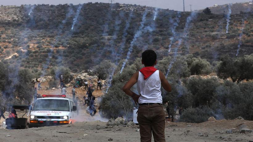 İsrail güçlerinin Filistinlilere müdahalesinde 320 kişi yaralandı