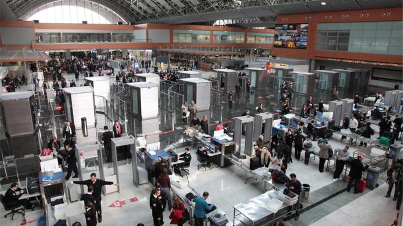 Sabiha Gökçen Havalimanı tatil dönüşü iki günde rekor kırdı