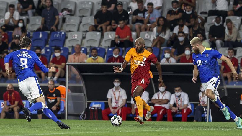 Galatasaray, St. Johnstone engelini aşamadı