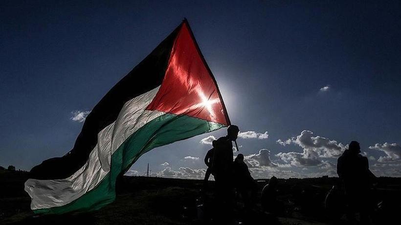 Hapishaneden nakledilen Filistinli tutuklular ağır şekilde darbedildi
