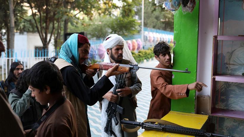 AB: Taliban'dan insan haklarına saygı istemek tezat gibi görünecek