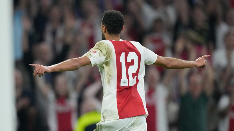 Ajax yine farklı kazandı