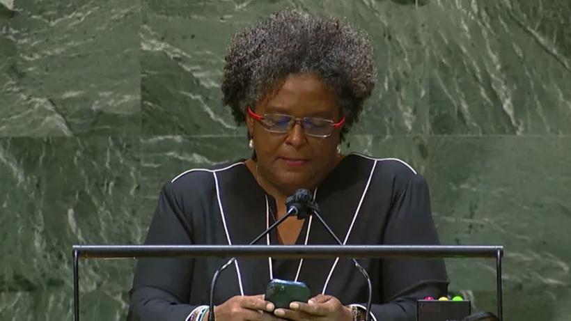 BM Genel Kurulunda boş salona hitap eden başbakan isyan etti