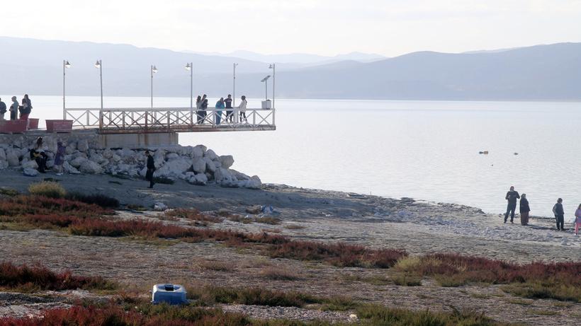 Burdur Gölü kuruma tehlikesi altında: İskele havada kaldı: Bu hali içimizi acıttı