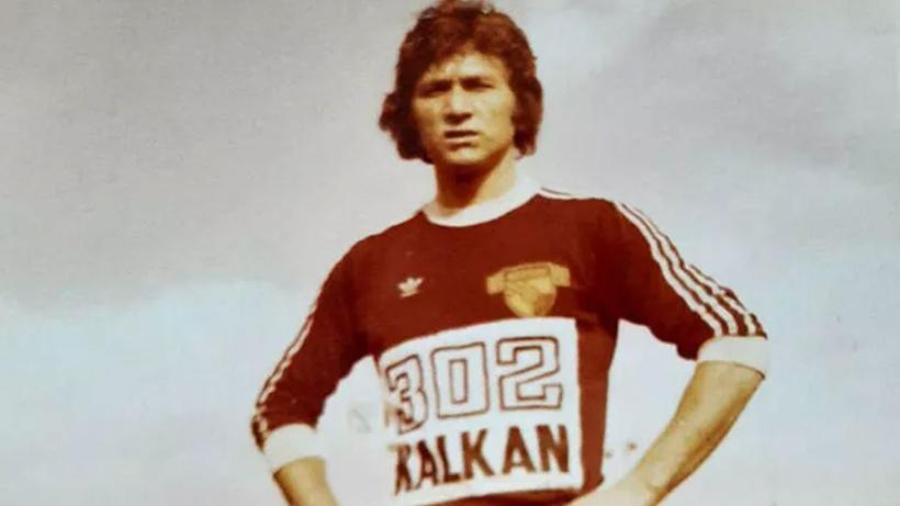 Göztepe'nin eski futbolcusu Doğan Küçükduru İzmir'de koronavirüsten hayatını kaybetti