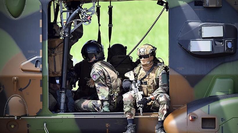 Tüm ülke bu soruyu soruyor: Fransa NATO'nun askeri kanadından çekilir mi?