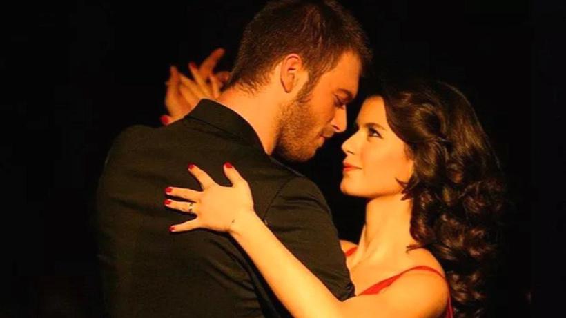 Aşk-ı Memnu tutkunlarını keyiflendiren gelişme... Kıvanç Tatlıtuğ ve Beren Saat 11 yıl sonra aynı projede yer alacak!