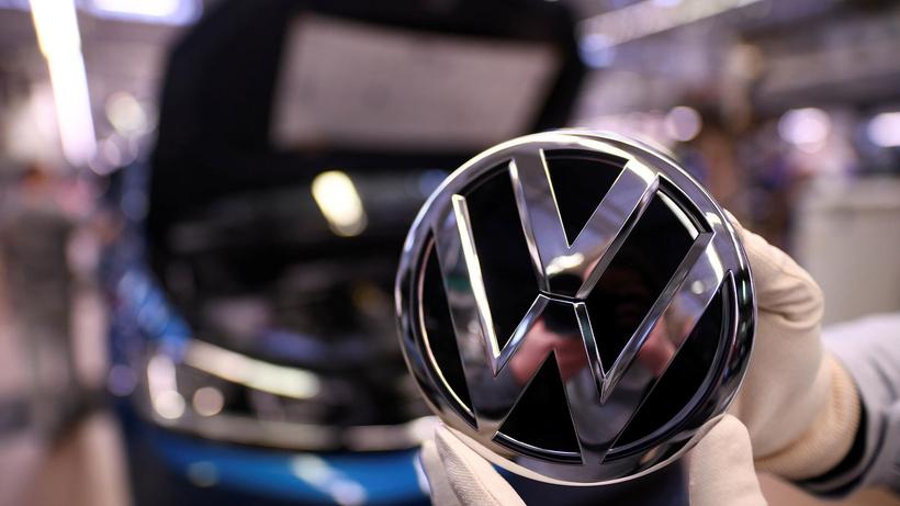 VW CEO'su: Elektrikli arabalara geçişi geciktirirsek 30 bin kişi işini kaybedebilir